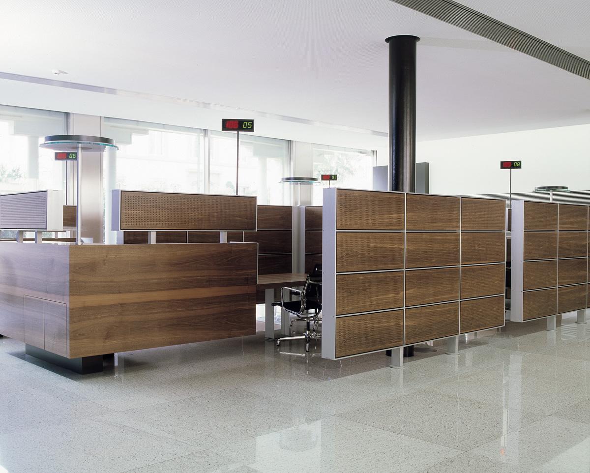 Schalterhalle Glarner Kantonalbank